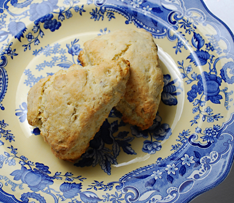 lemon-hazelnut-scones