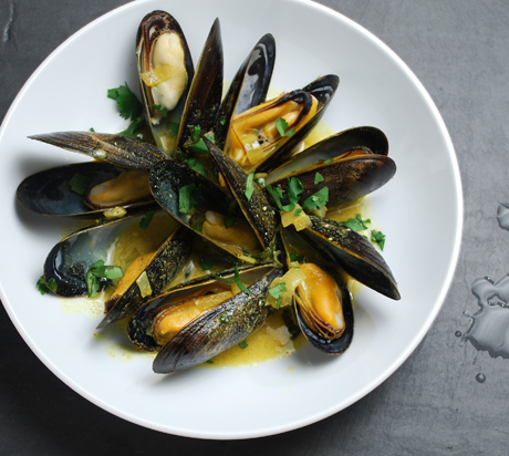 Curried Mussels with Cilantro
