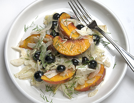 fennel-peach-blueberry-salad